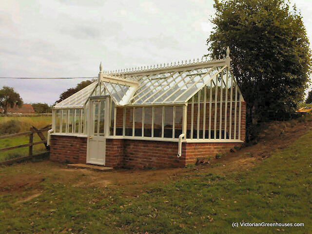 3 4 span victorian greenhouses for Greenhouse styles